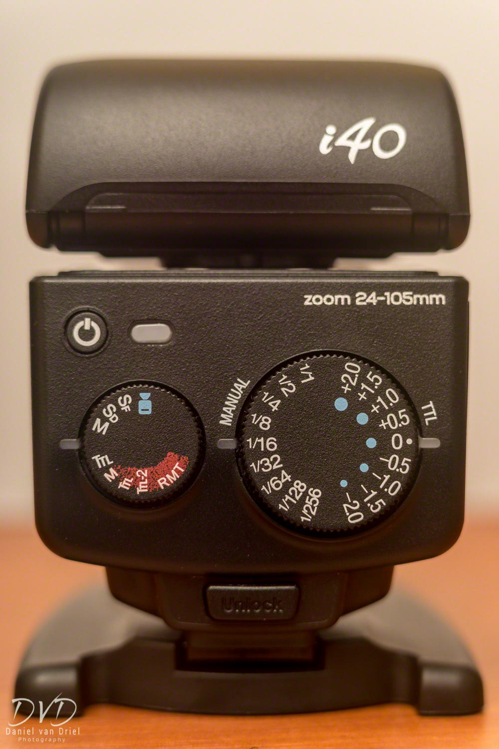 Back Dials of Nissin i40