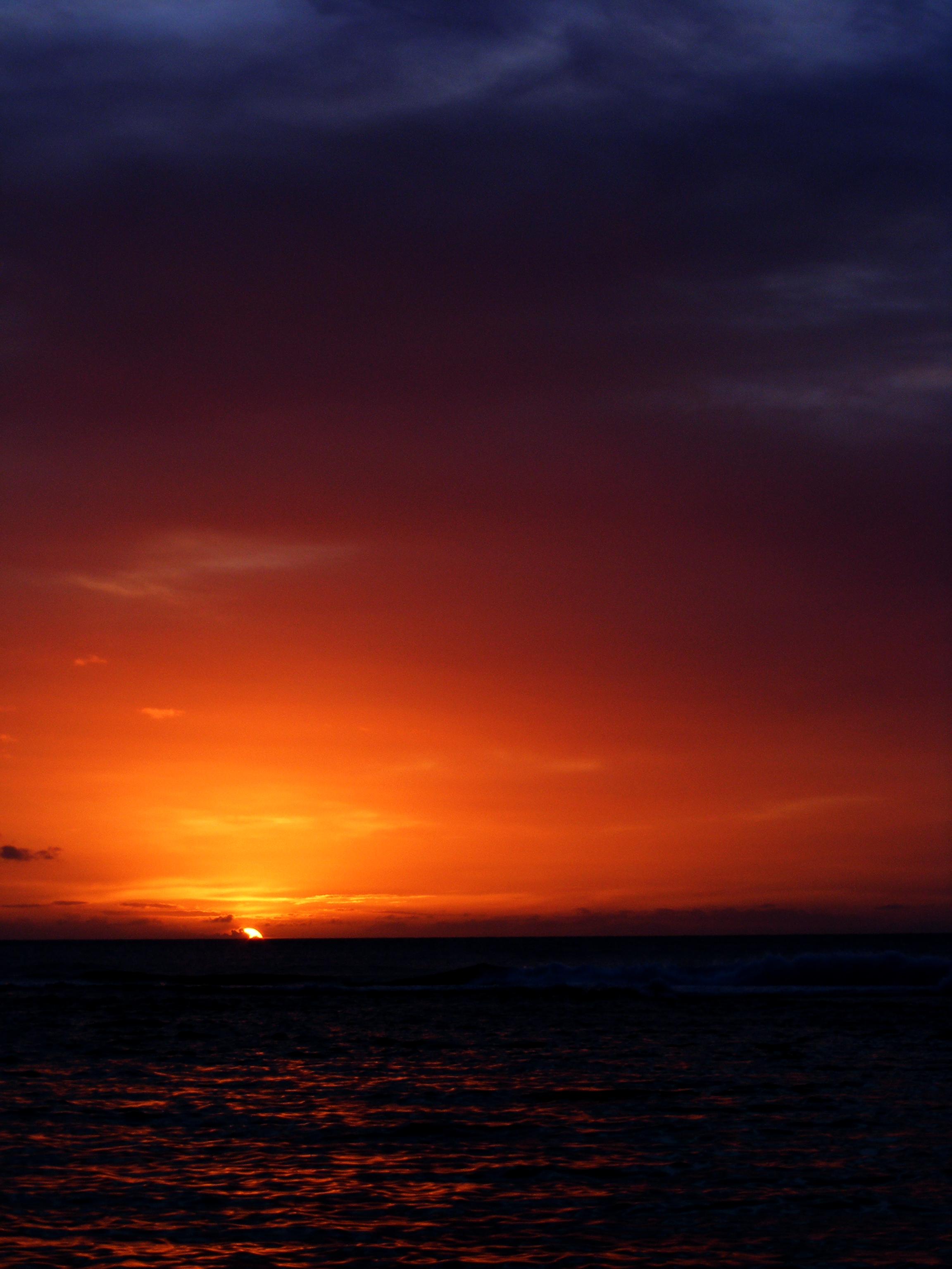 Kauai sunset 01 darkened.jpg