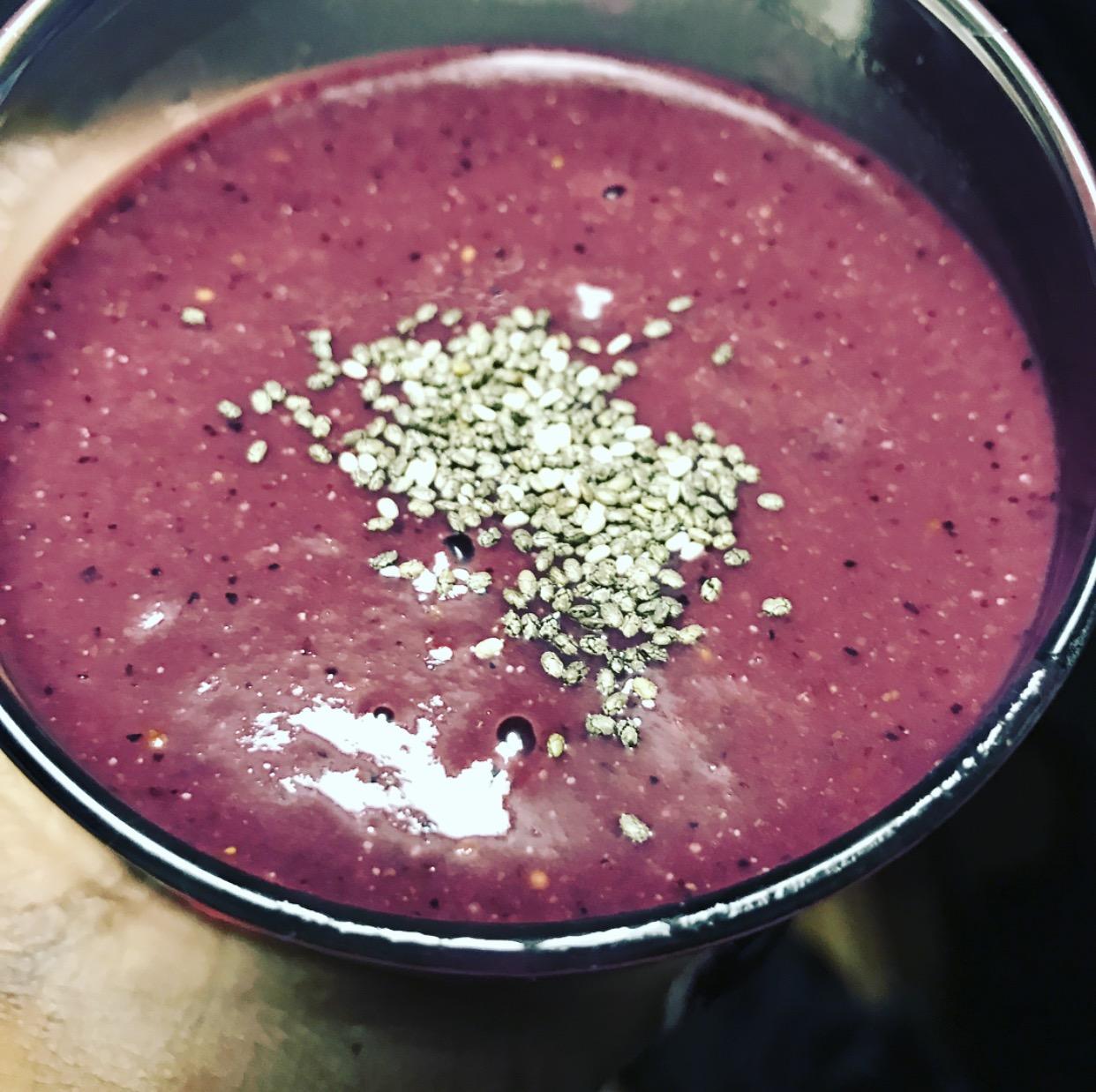 vegan banana berry beet smoothie.jpg