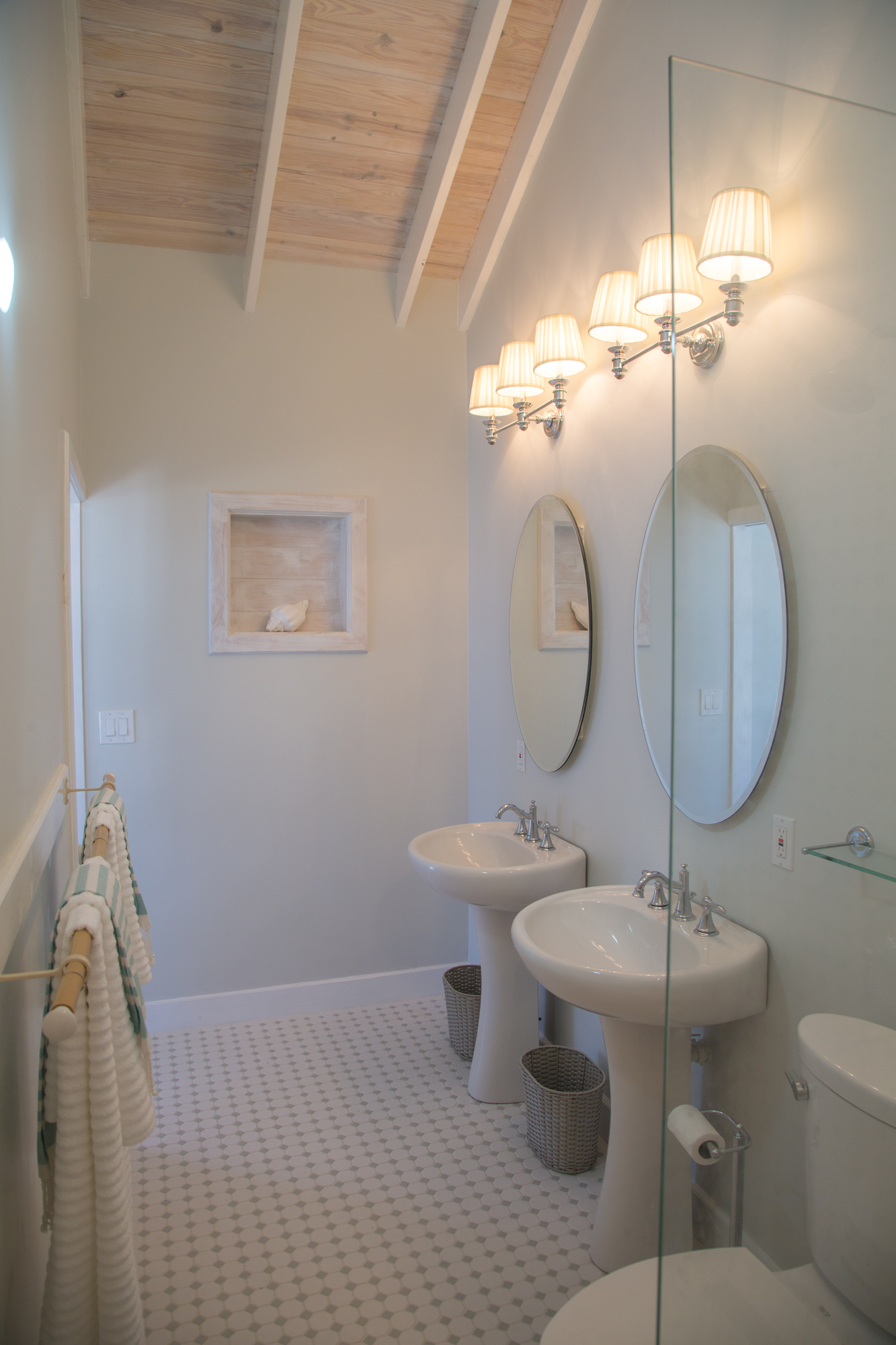 Ocean-Tally-Eleuthera-Bathroom-Detail-02