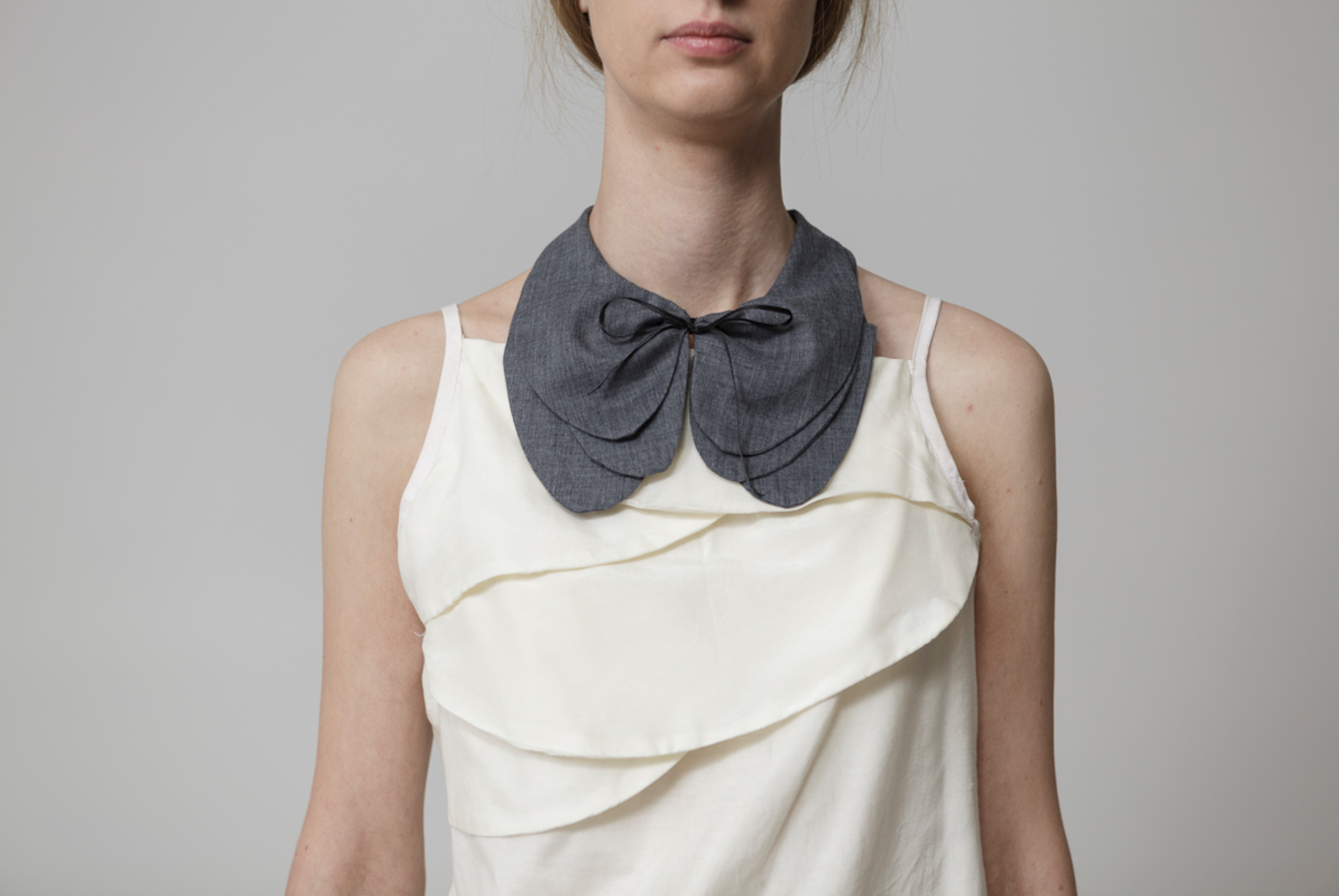 NEW ITEM ! - Gray collar necklace