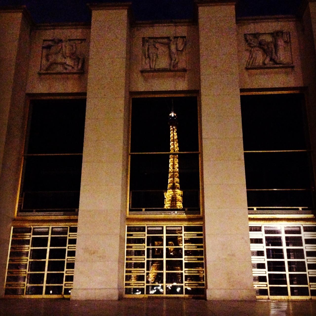 Eiffeltoren in ramen Palais de Chaillot