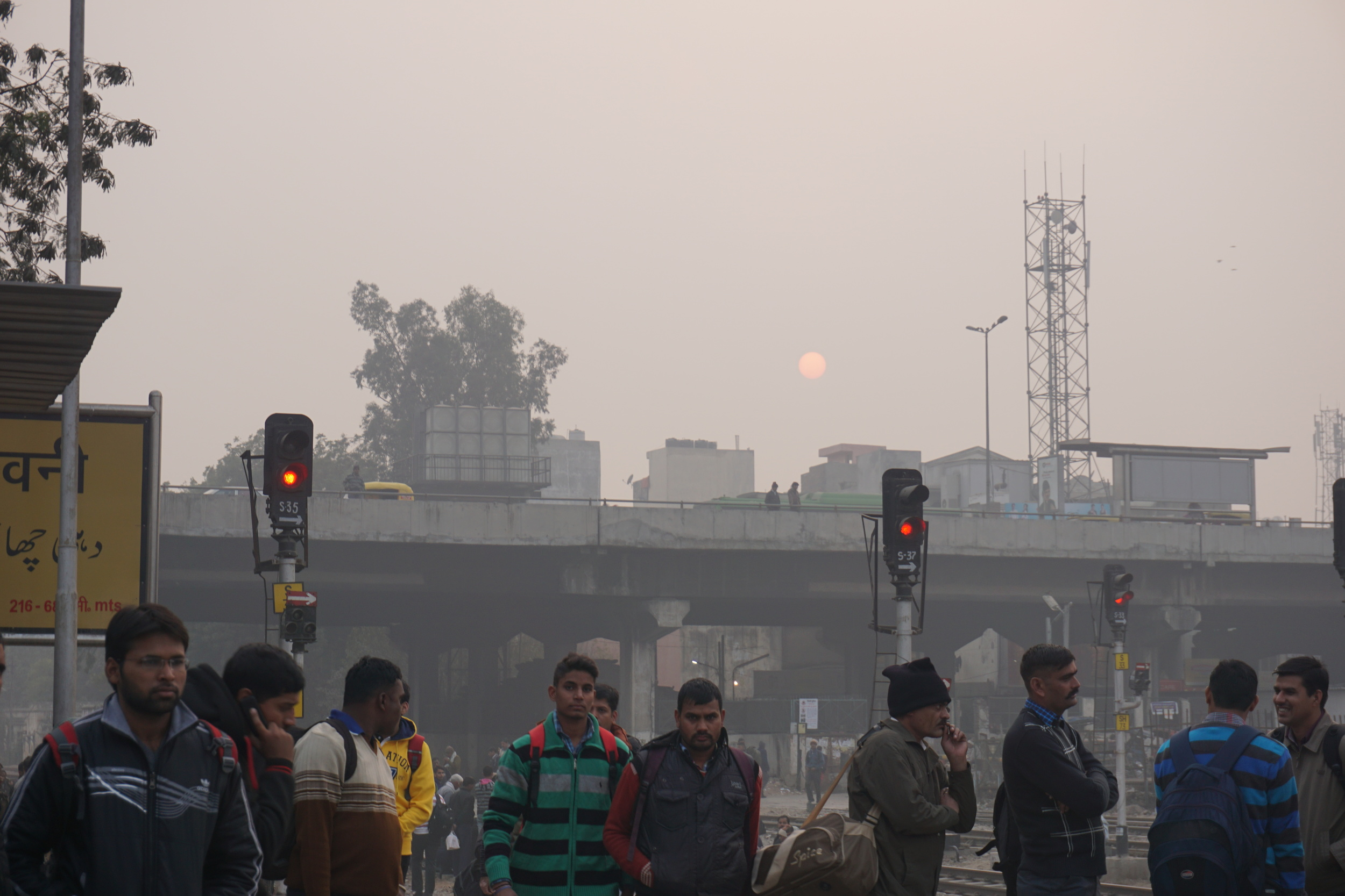 A hazy sunset behind Delhil's polluted skies.