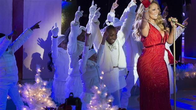 2014-Rockefeller-Center-Christmas-Tree-Lighting-Ceremony-4.jpg
