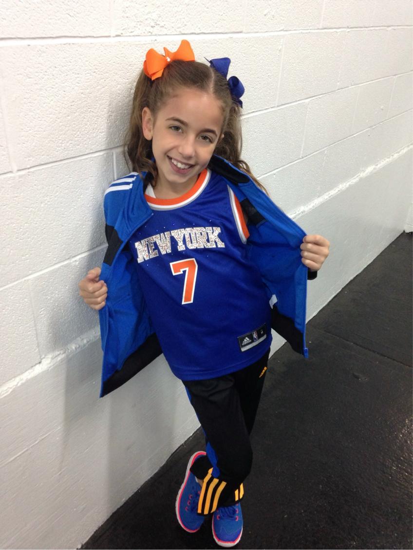 GiaNina-showing-off-her-Knicks-gear.jpg