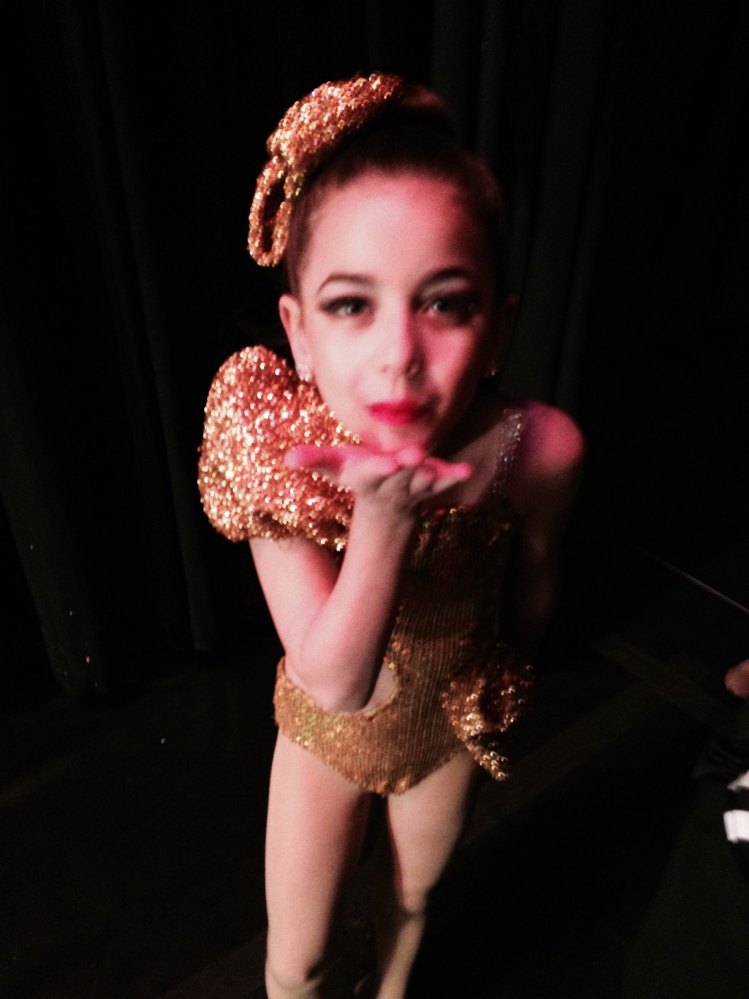 GiaNina-blowing-kisses-to-Dady-before-every-performance.jpg