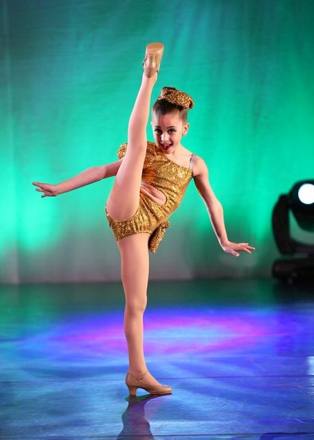 GiaNina-jazz-solo-pic-1-at-NYCDA-regionals-2014.jpg