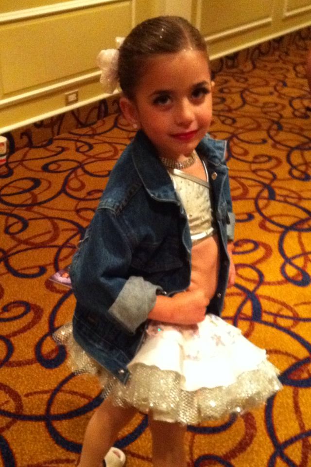 G in her MDA jacket with look 2011.png