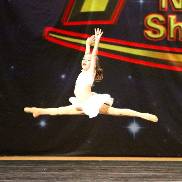 GiaNina-leaping-during-fly-at-NDS.jpg