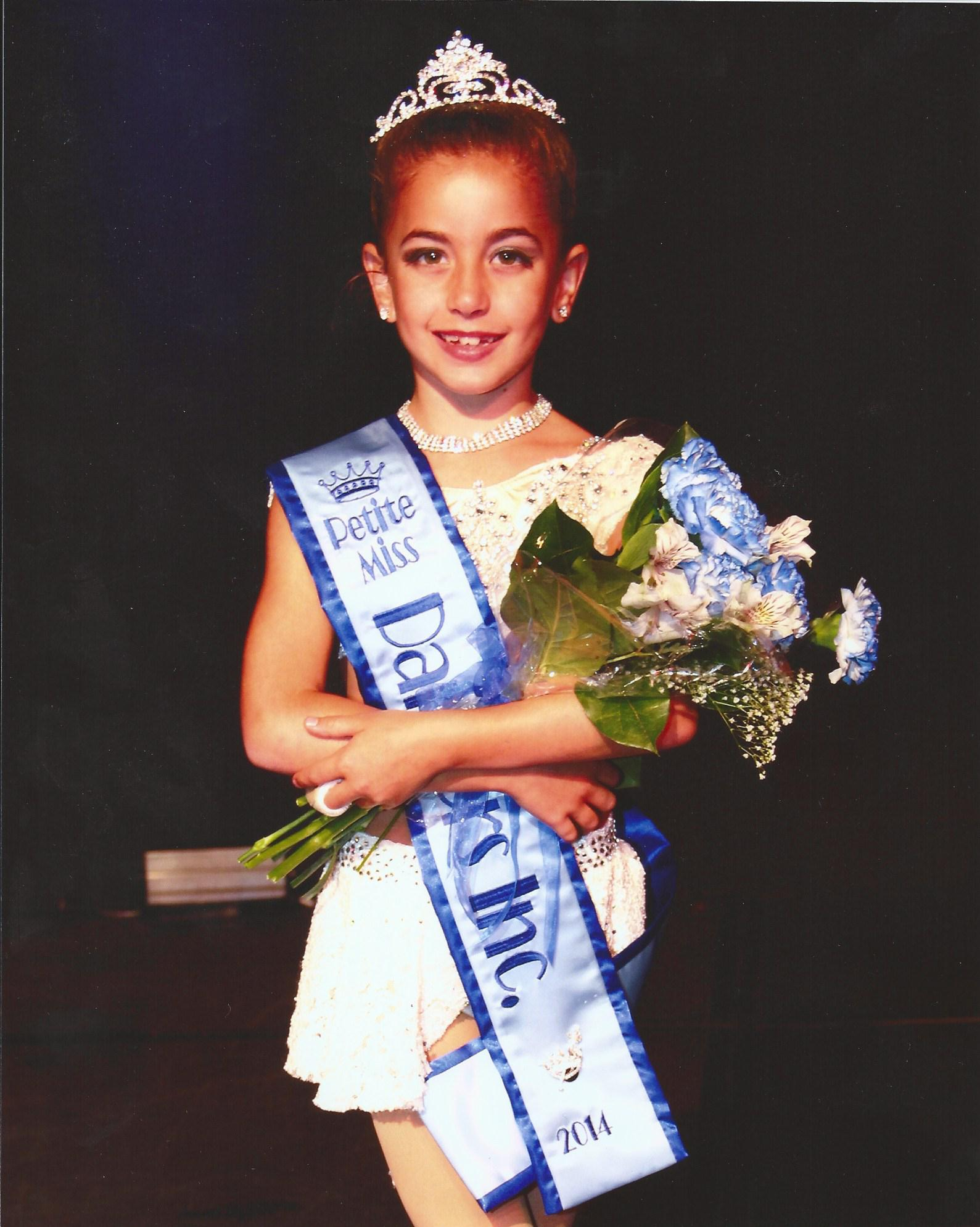 GiaNina-Miss-Petite-Dancers-Inc.-2013-with-crown.jpg
