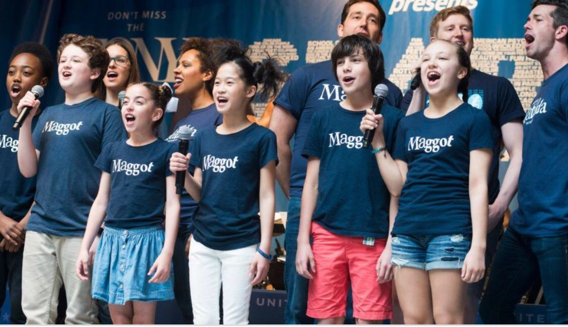 Maggots singing in stars in the alley 2016.jpg