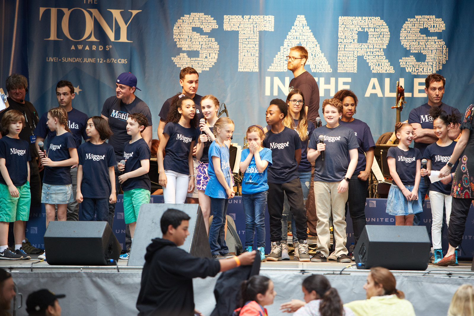 Stars in the Alley 2016 before set Gia laughing.jpg