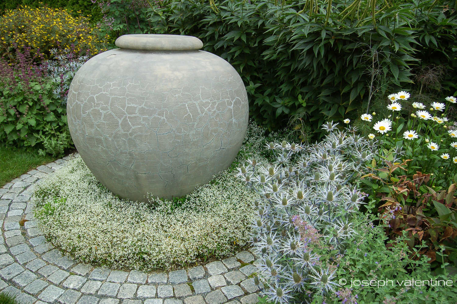 A large Borghese urn from Lunaform