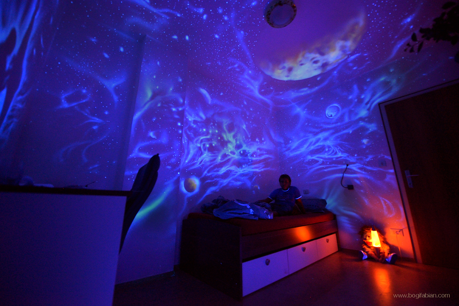 GLOWING GALAXY MURALS - CONNECTING YOU TO THE  COSMOS