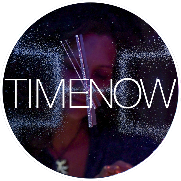 Bogi Fabian Glow int the dark mirror clock