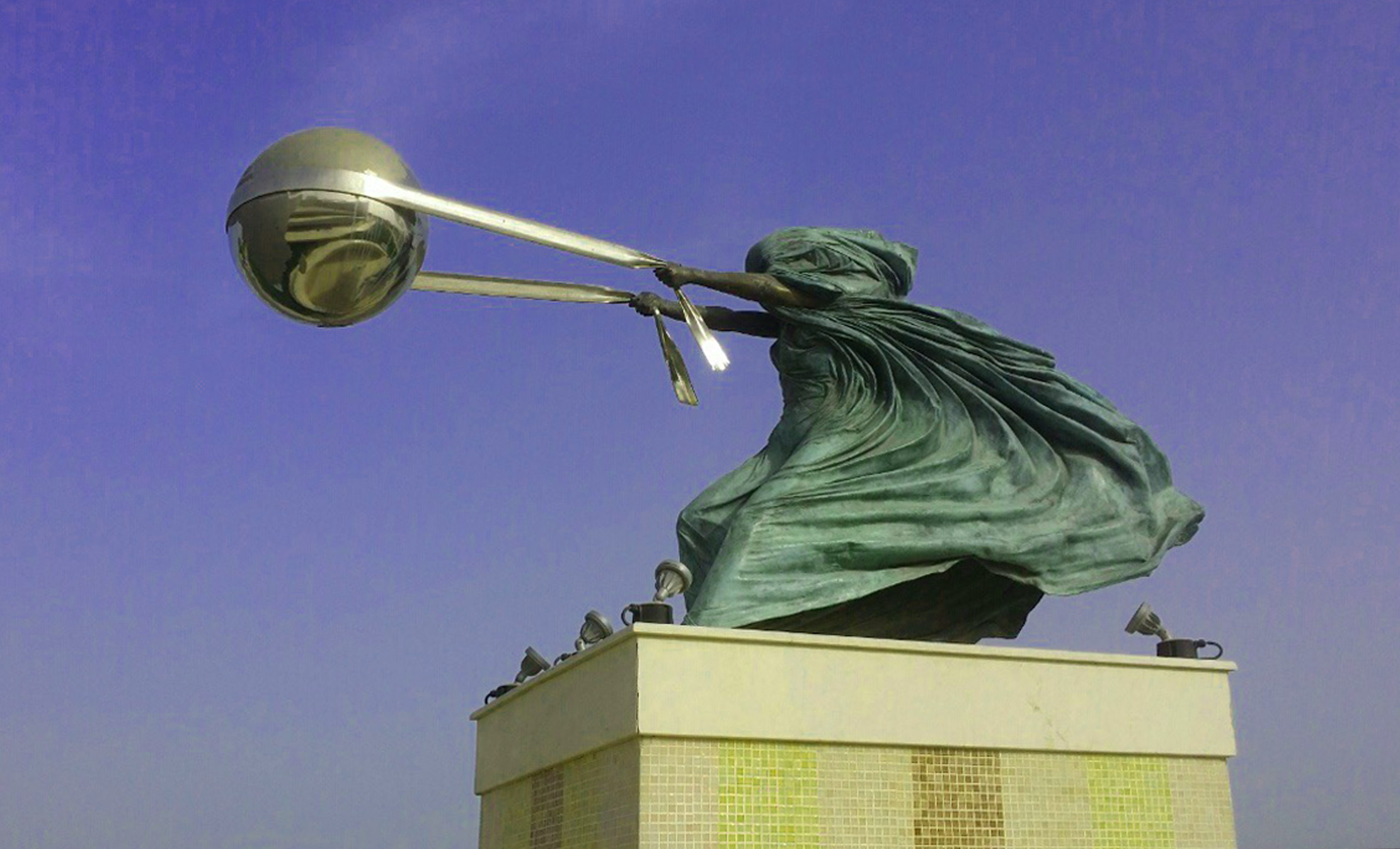 sculpture Of Force of Nature b Anthony Quinn -Doha