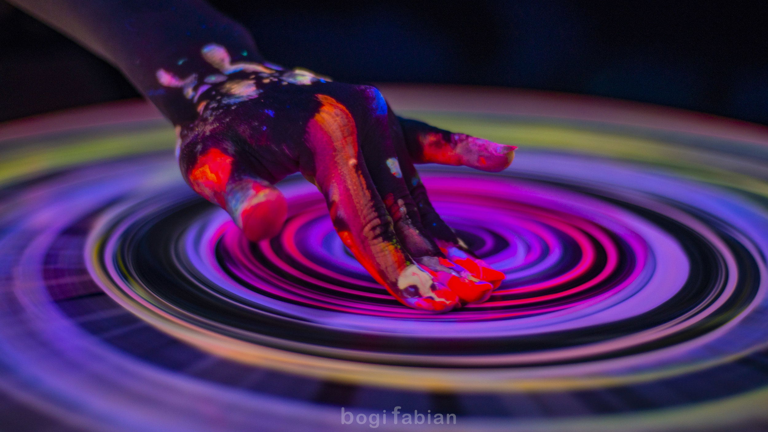 Bogi Fabian Pottery wheel Tomi Bojnec How to have fun on the potter's wheel ft. Ultraviolet Light  blacklight fluorescent magic