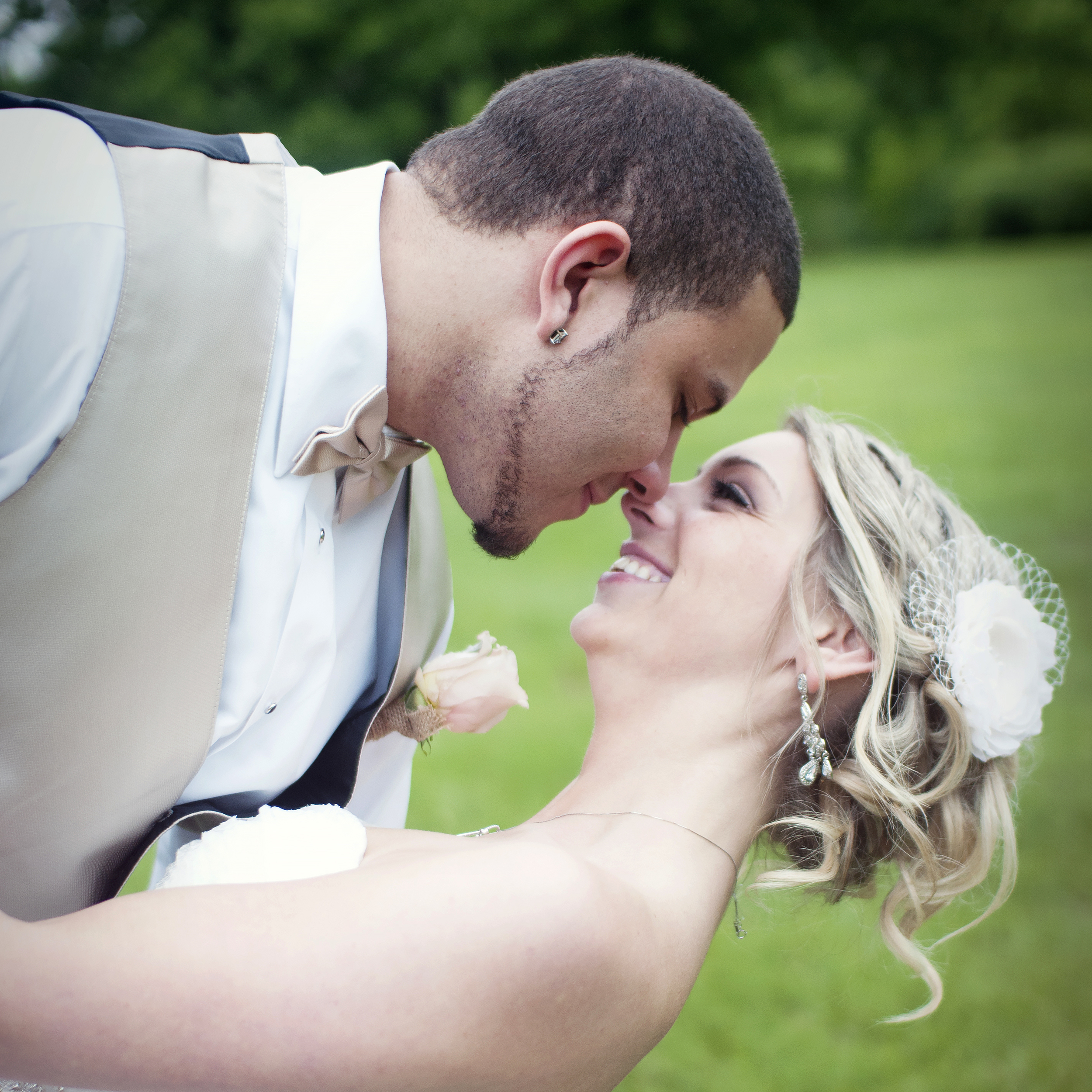 Twin Cities Affordable Wedding Photography | Memorial Park, Shakopee, MN
