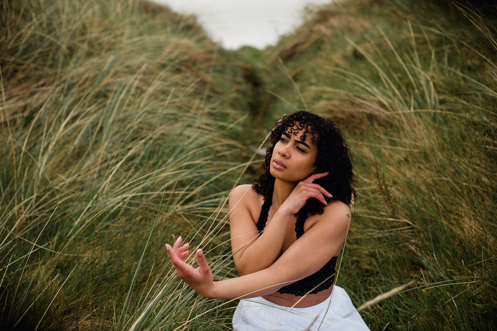 ireland desjardins studio rachel desjardins travel photography all rights reserved hostel dublin portbalintrae dance dancer big rocks scenery michelle richardson