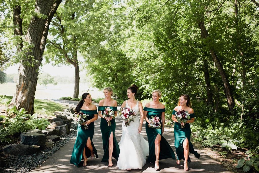 07_bridal_photographer_party_elopement_minnesota_dellwood_wedding.jpg