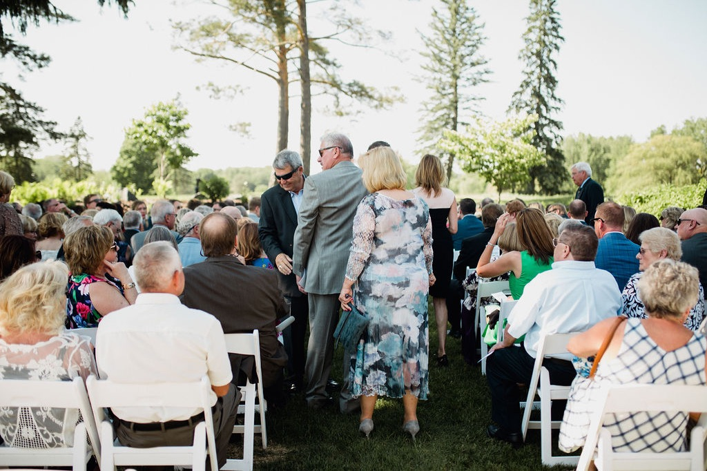 16__photographer_dellwood_wedding_ceremony_minnesota.jpg