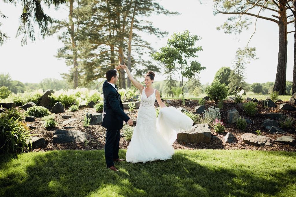 33_bride_photographer_dellwood_wedding_ceremony_minnesota.jpg