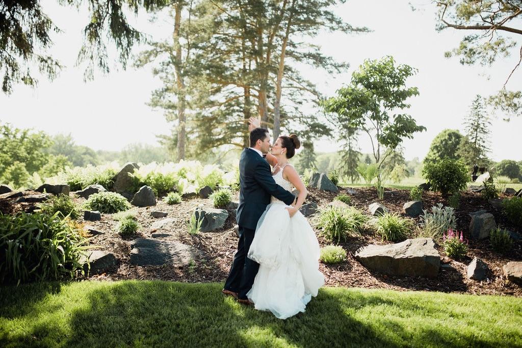 35__bride_photographer_dellwood_wedding_ceremony_minnesota.jpg