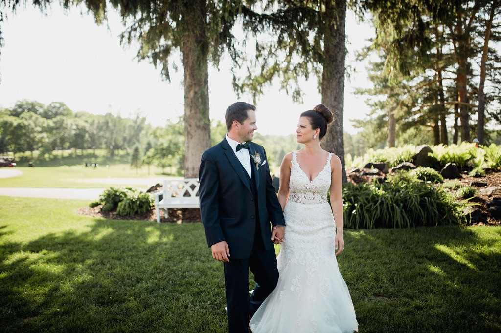 38__bride_photographer_dellwood_wedding_ceremony_minnesota.jpg