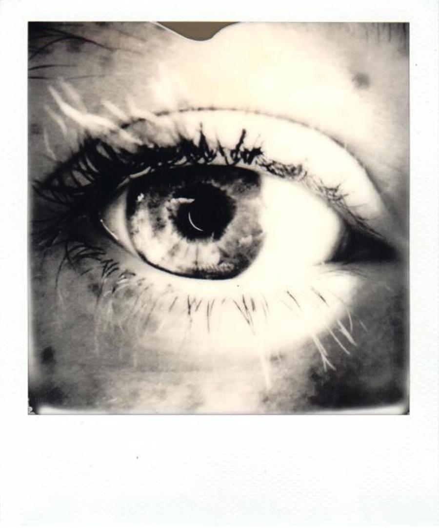eyes_amelia_bw1.jpg