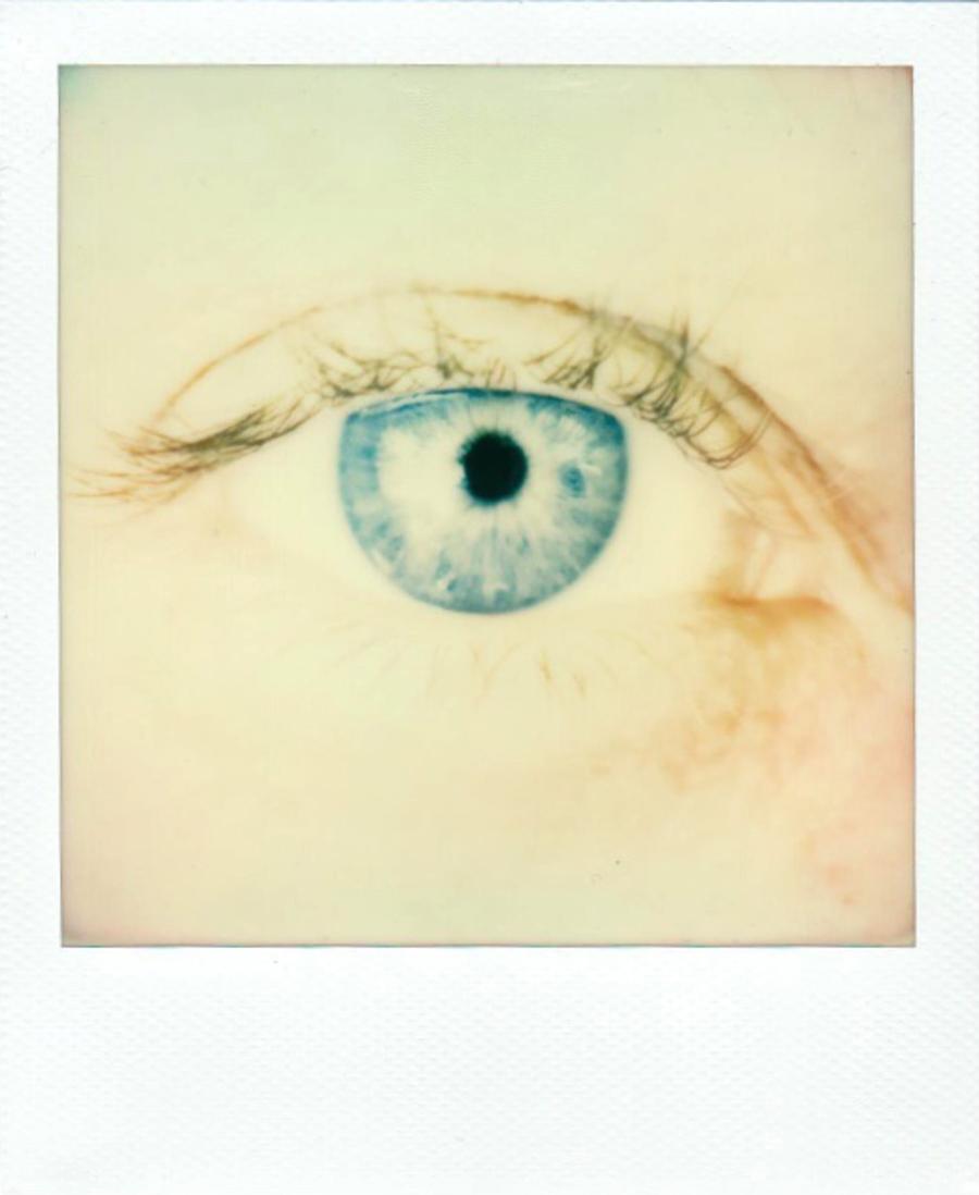 eyes_blue_direct.jpg