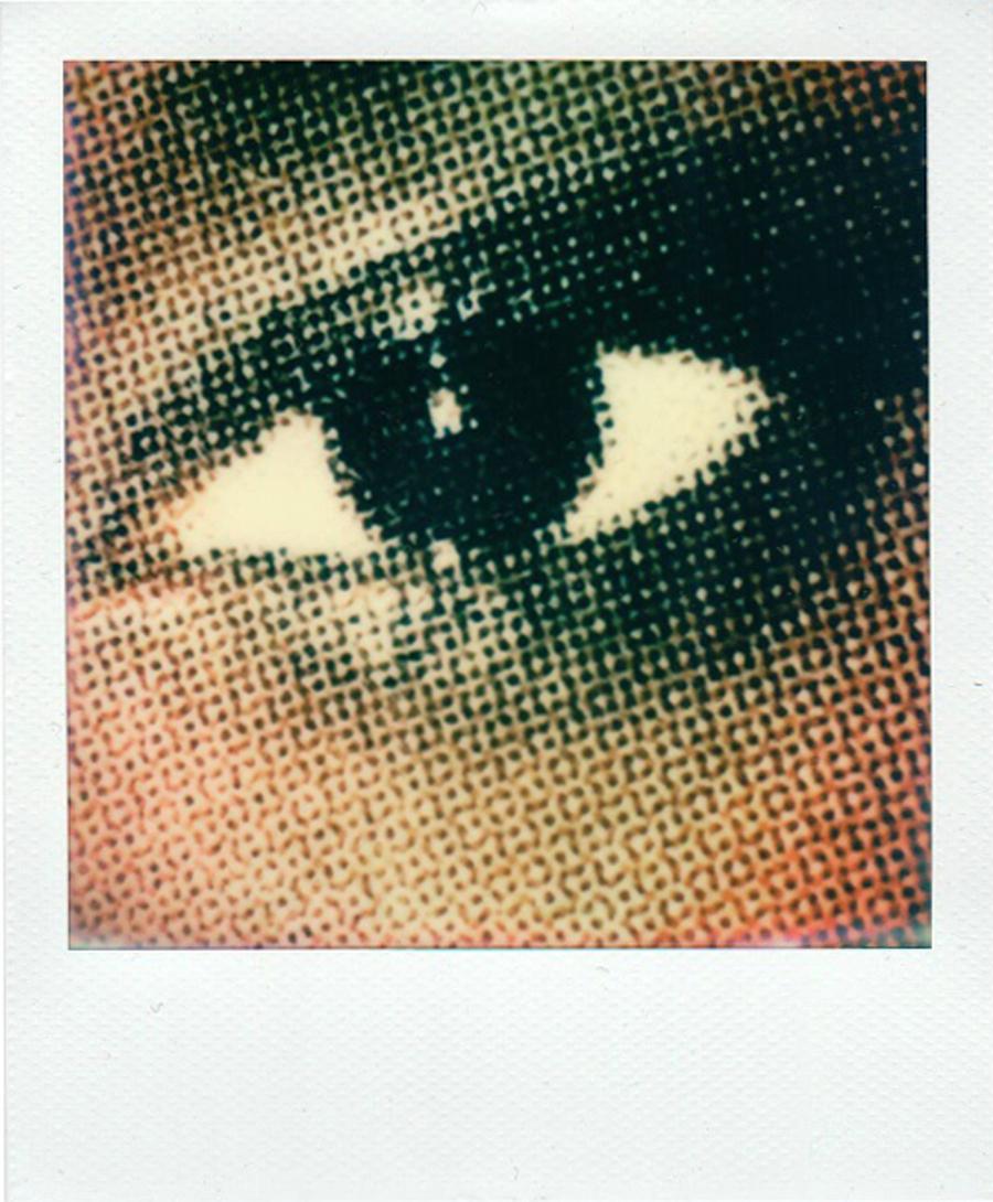 eyes_mag_dot.jpg