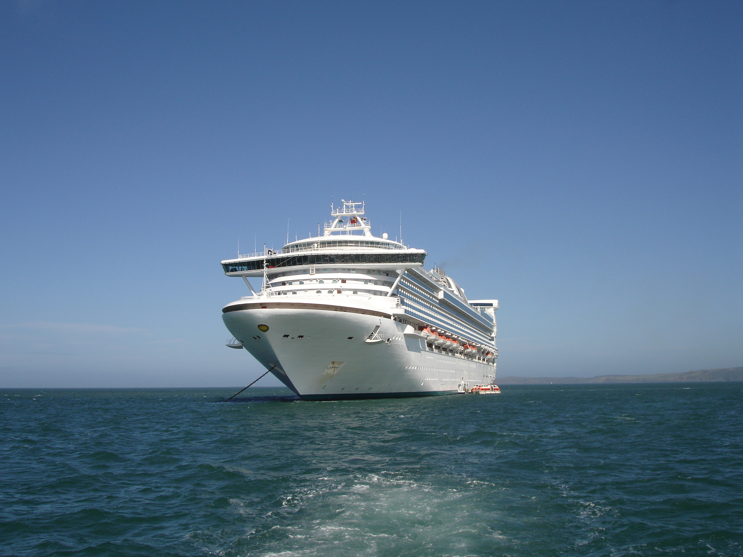 cruiseship_1409639_o.jpg