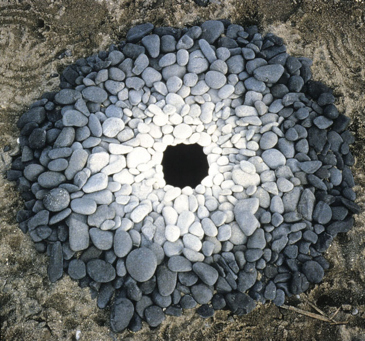 land-art-andy-goldsworthy-1.jpg