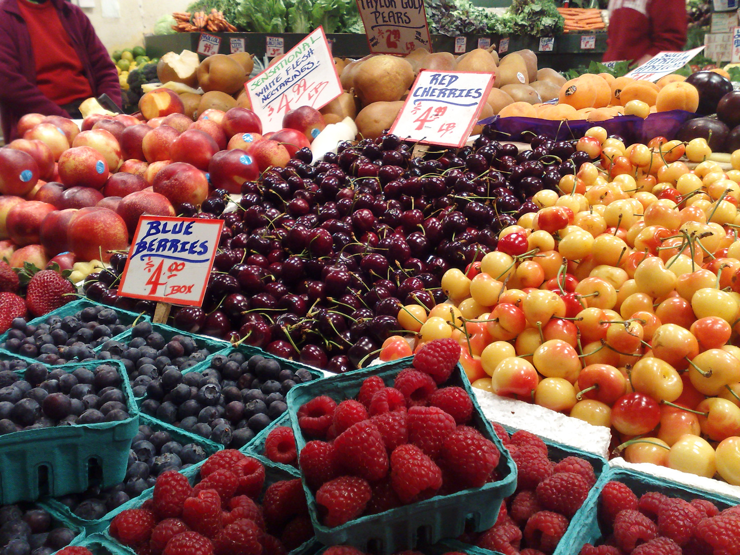2015-03-11_pike-place-fruit.jpg