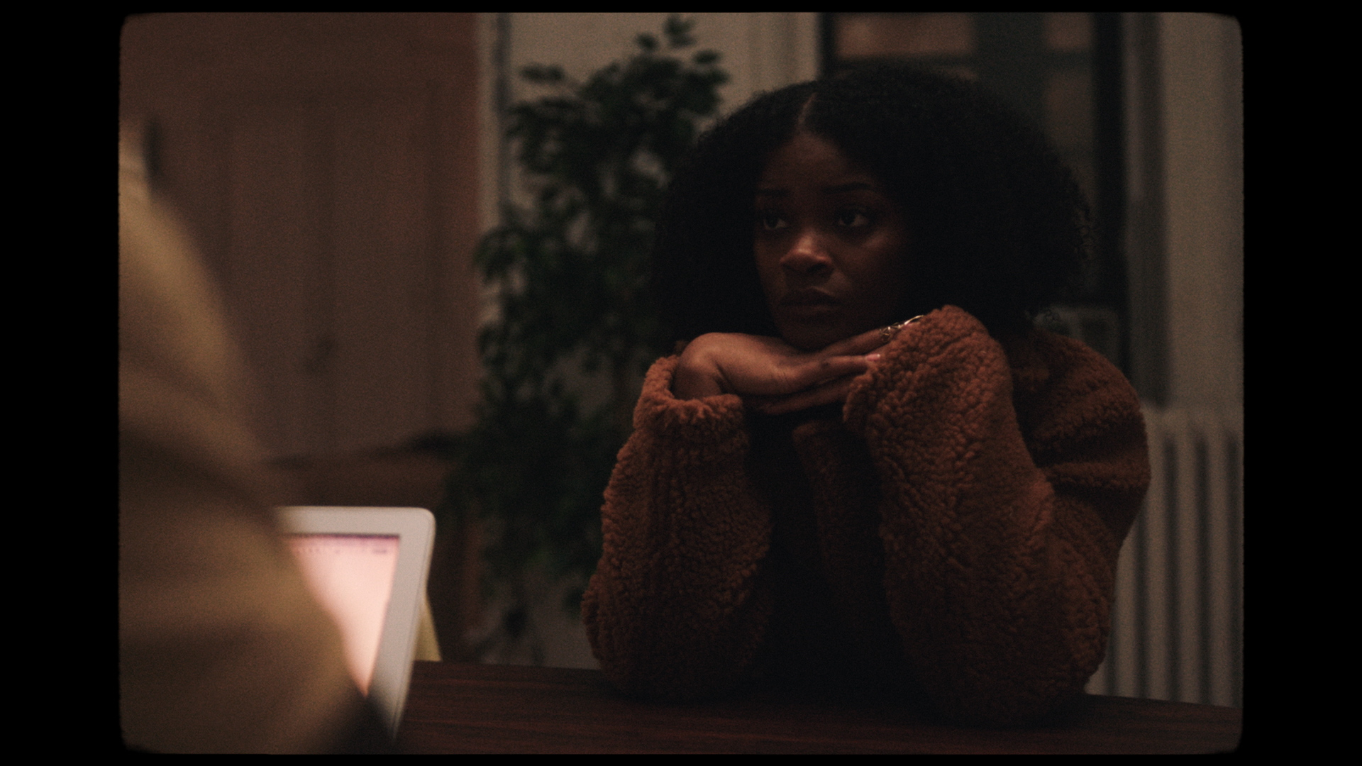 - shea butter baby (music Video)artist: ari lennox (feat. j cole)director: bennett johhnsonproduction co: dreambeardp: dan kennedyeditor: matt cartervfx: nic seresin @ The Underground NYcolorist: josh bohoskey @ the millsound design: sam costello