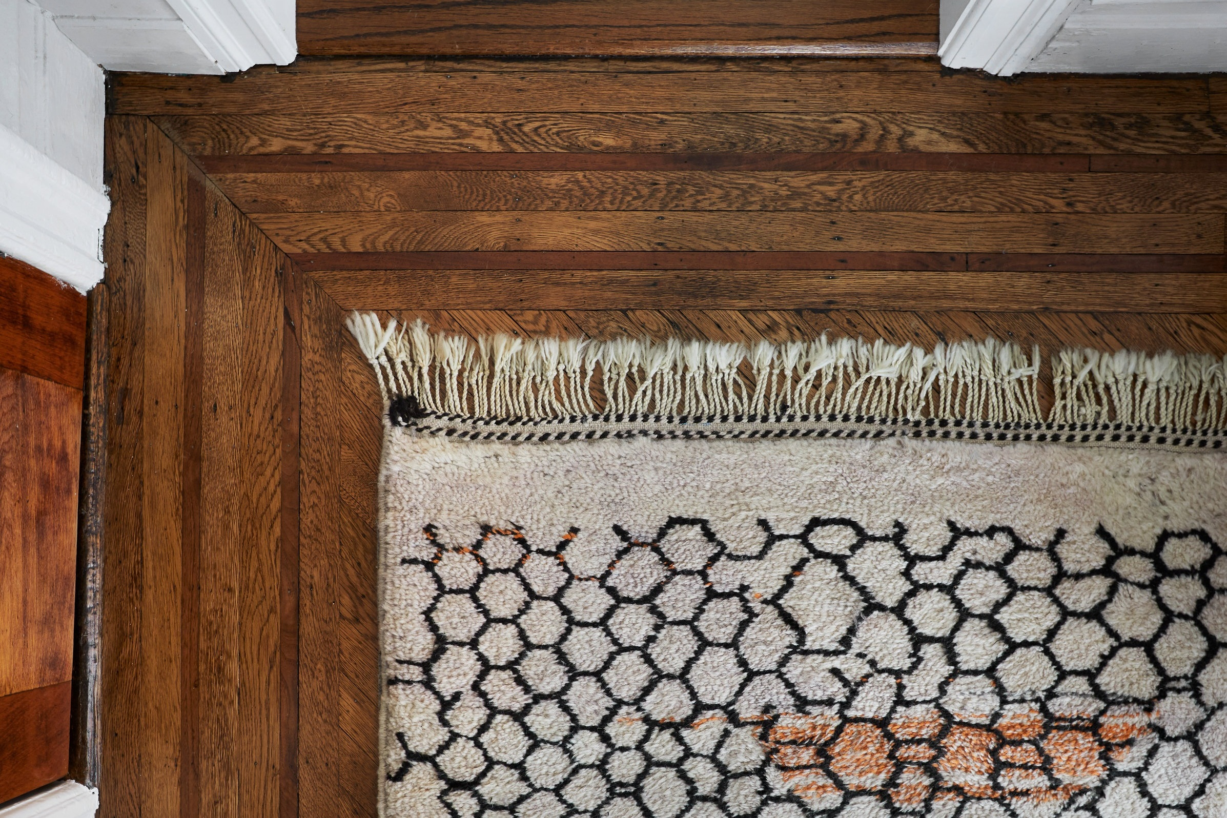 104-prospect-manor-rug-hardwood-detail.jpg