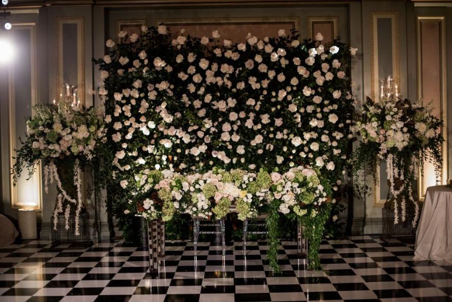 pasadena-wedding-planner-wall-roses
