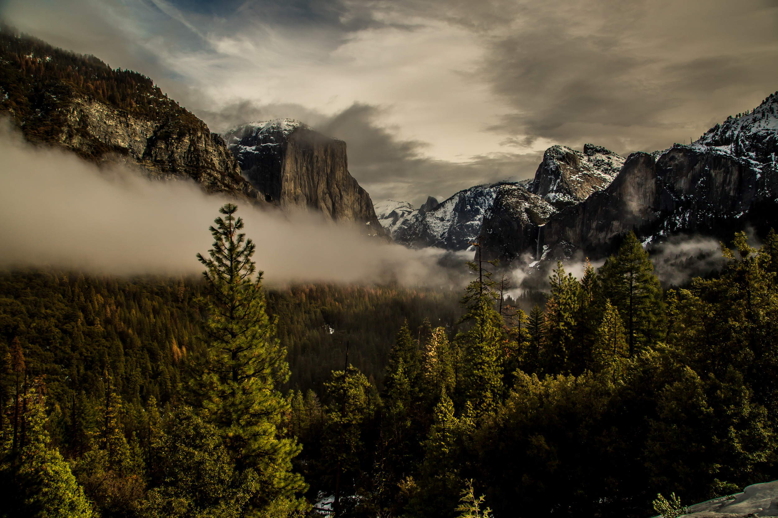 Tunnel_View_FogBurn-1823.JPG