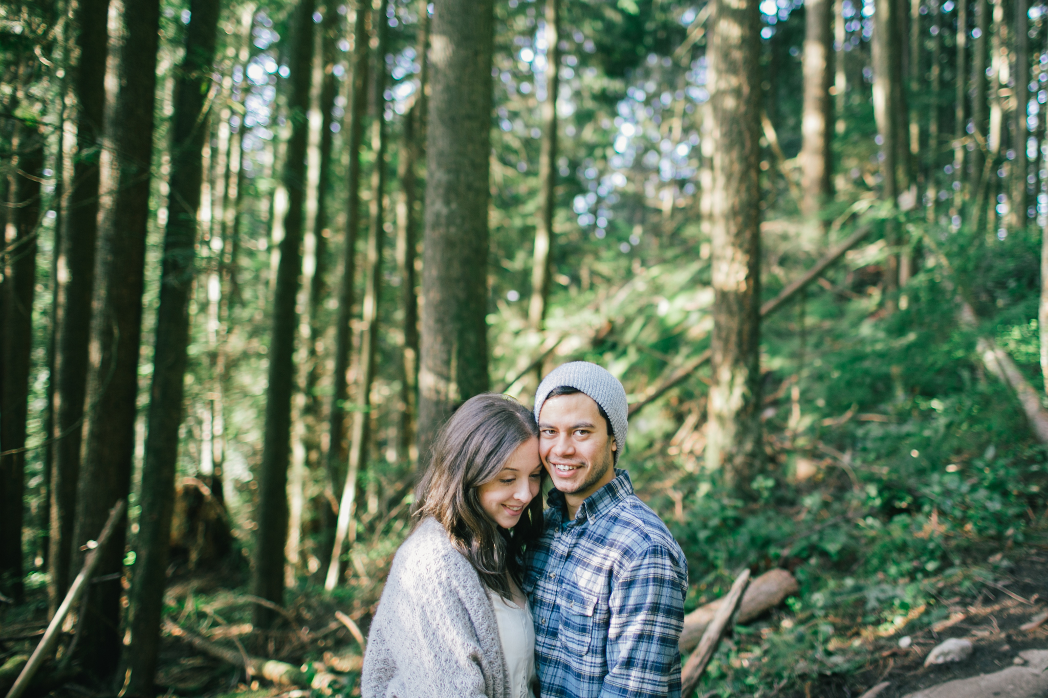 A North Vancouver Deep cove and Quarry rock engagement session.  Vancouverwedding, lifestyle and portraitphotographer. Lesley Laine