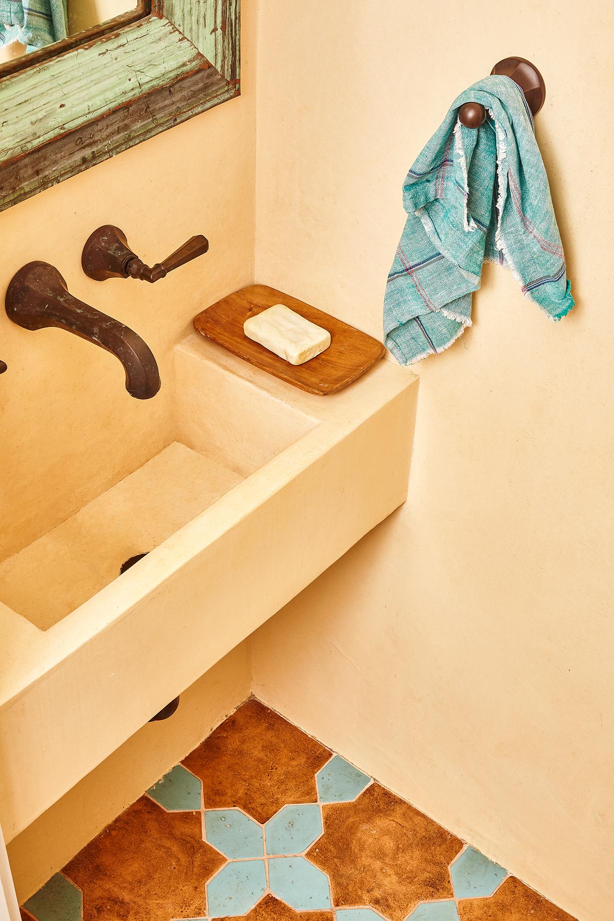 Indigo & Ochre Design CH11 Powder Room.jpg