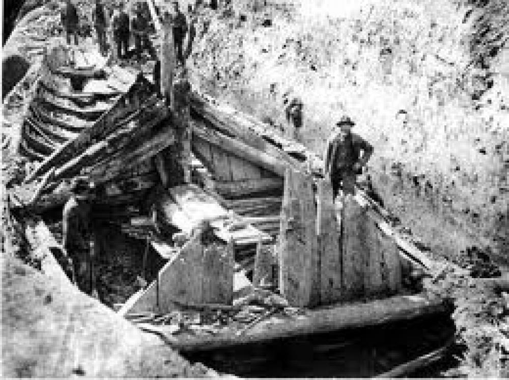 Utgraving av Gokstadskipet i 1880-årene