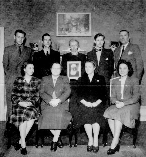 Lokalt åndelig råd for bahá'íer i Stockholm høsten 1948 hjemme hos Inga og Sigvard Håkansson.