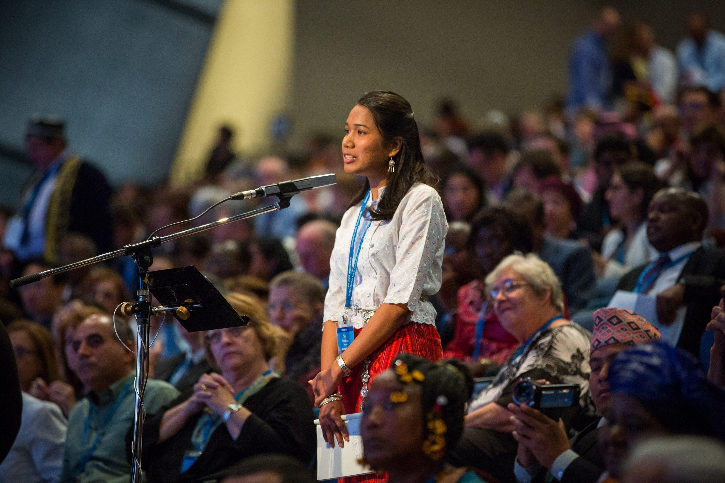 Delegatene rådslo om bahá'í-samfunnenes bidrag til samfunnslivet. Foto: bahai.org