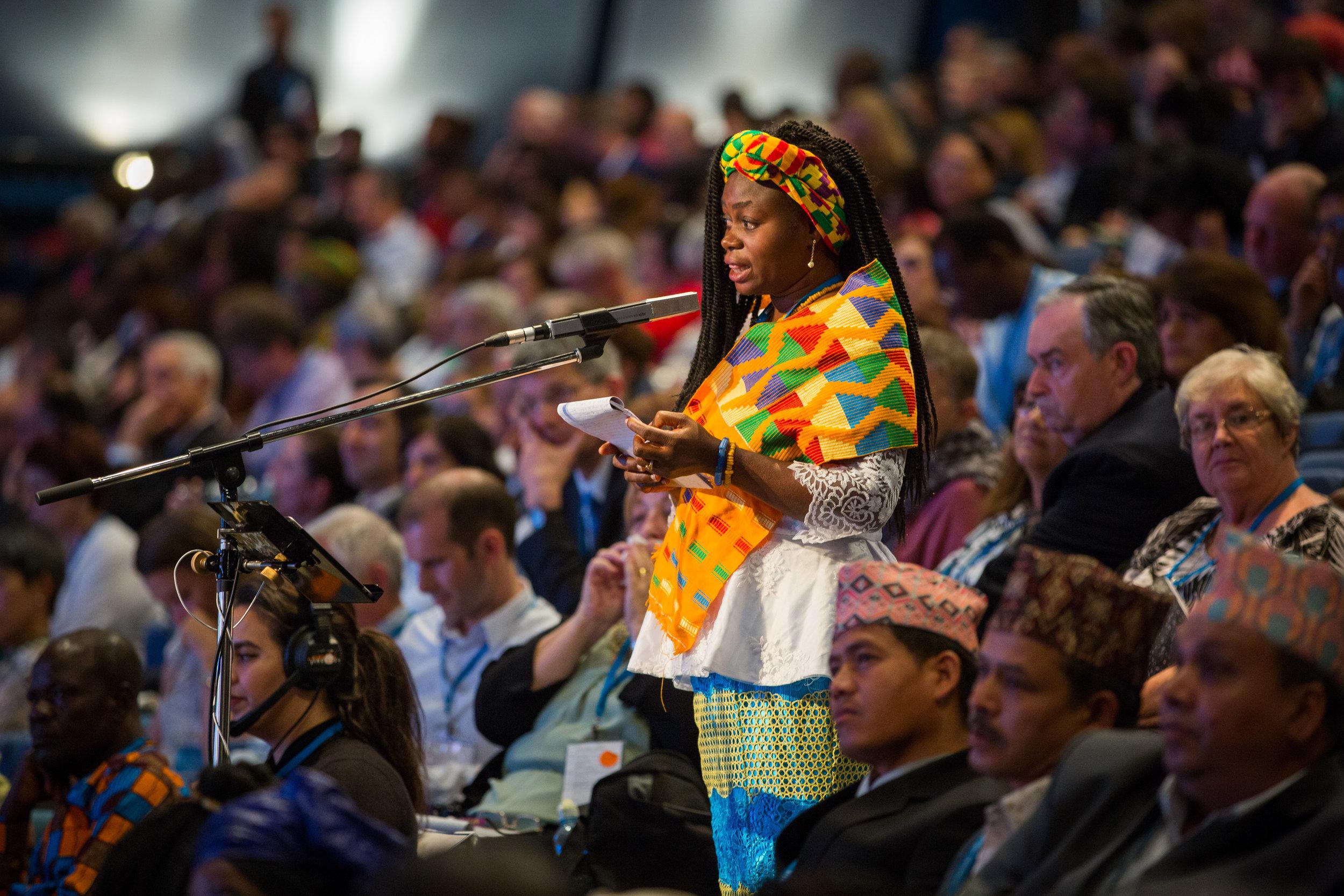 Rådslagningen på Konventet er fokusert på utviklingen av bahá'í-samfunnets arbeid i hele verden. Foto: bahai.org