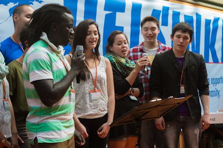 Bilde fra ungdomskonferansen i Helsinki 2.-4. august 2013, en av de 114 konferansene verden over.