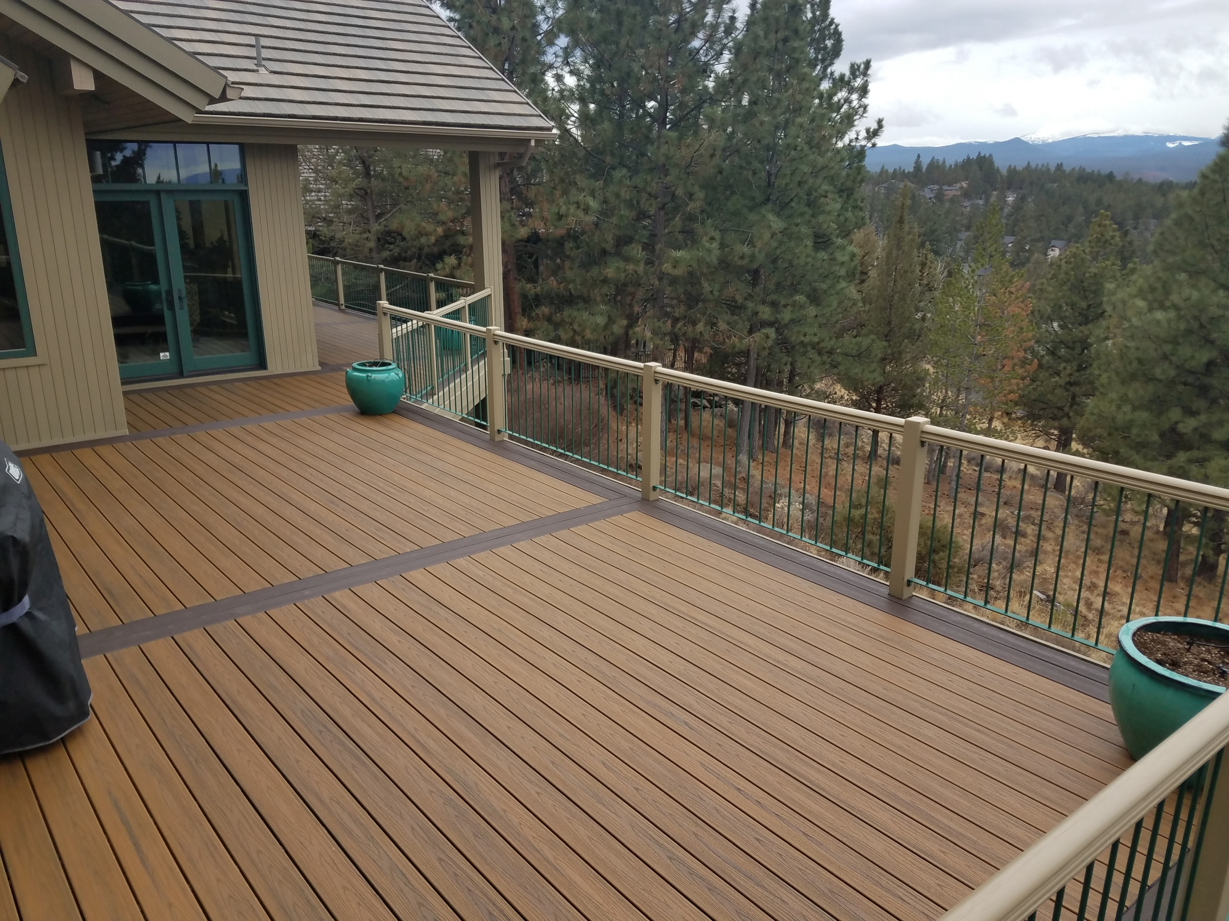 Trex Transcend with full double borders. Awbrey Butte, Bend Oregon
