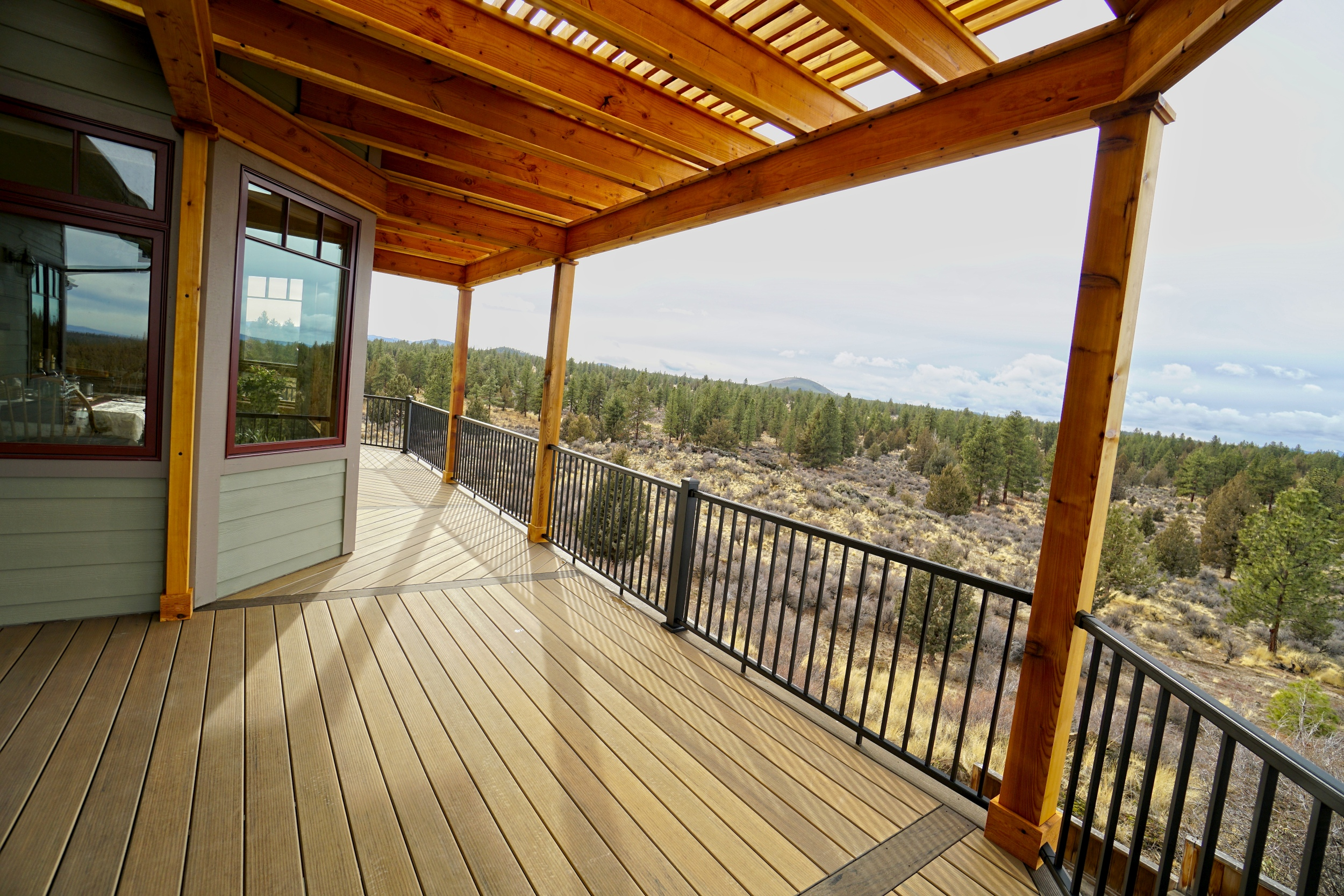TimberTech Legacy with cedar pergola and aluminum railings. Horse Butte, Bend Oregon