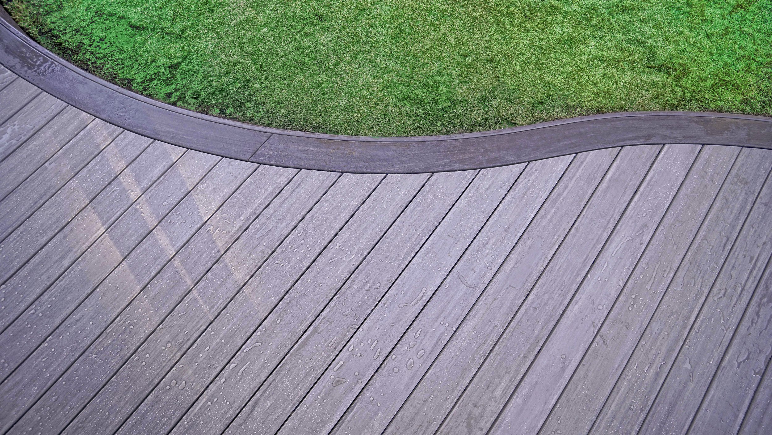 Curved Deck -