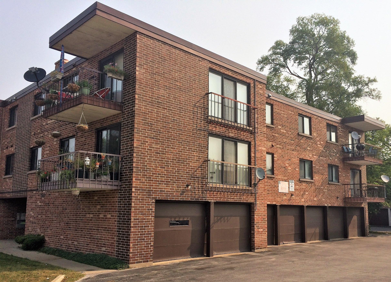 Apartment Building - Location: Oak Lawn, ILPrice: $1,200,000Comments: All two bedrooms .. 7 car garage .. Flexicore