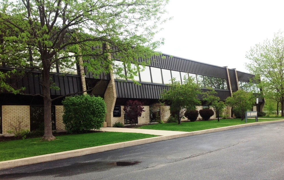 Office Building - Location: Oak Brook, ILPrice: $2,800,000Comments: Prime location